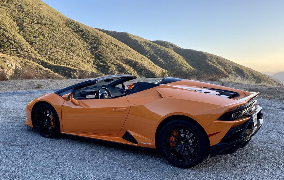 Mountain Drive: Lamborghini Huracán EVO Spyder Embodies Exotic Car Fundamentals