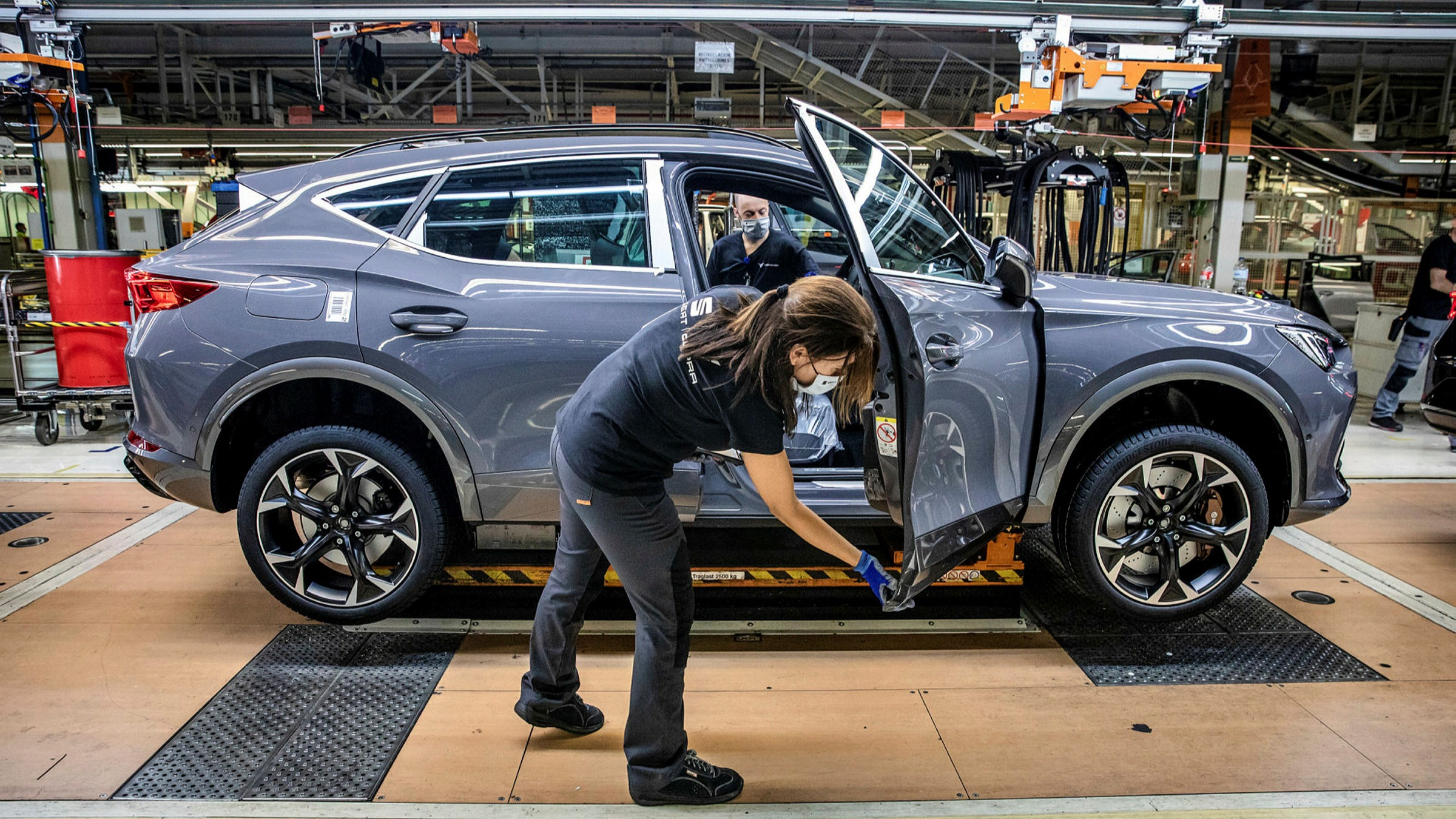 Spain's auto sector collides with Covid