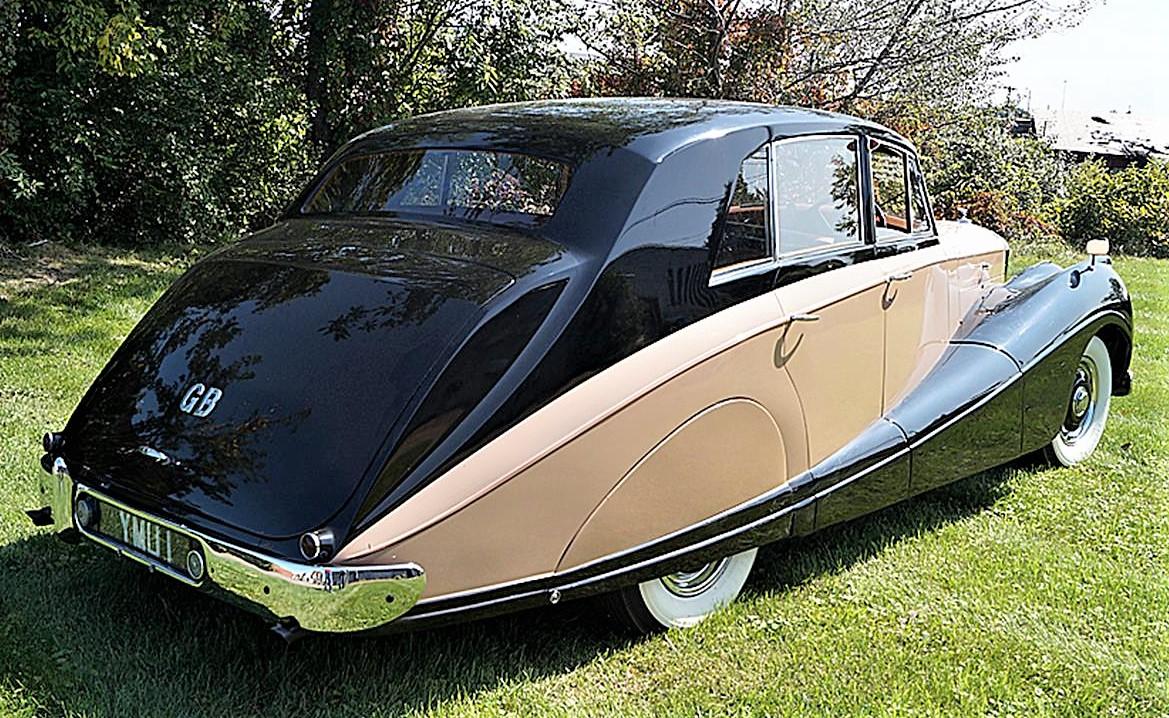 1955 Bentley R-Type saloon with elegant coachbuilt body